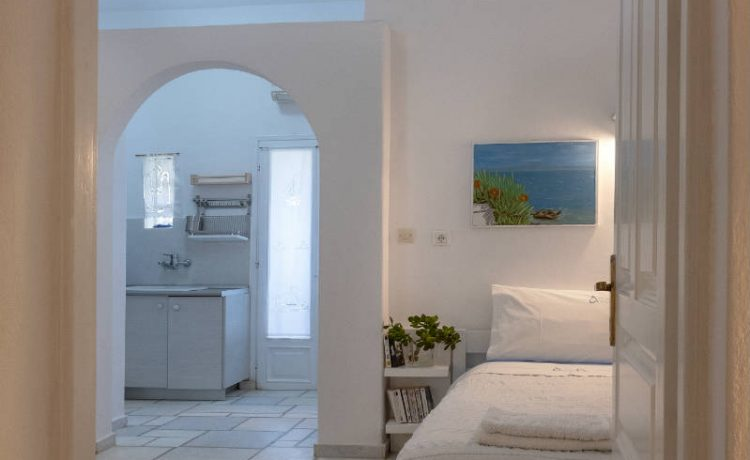Room for four in Drios Paros