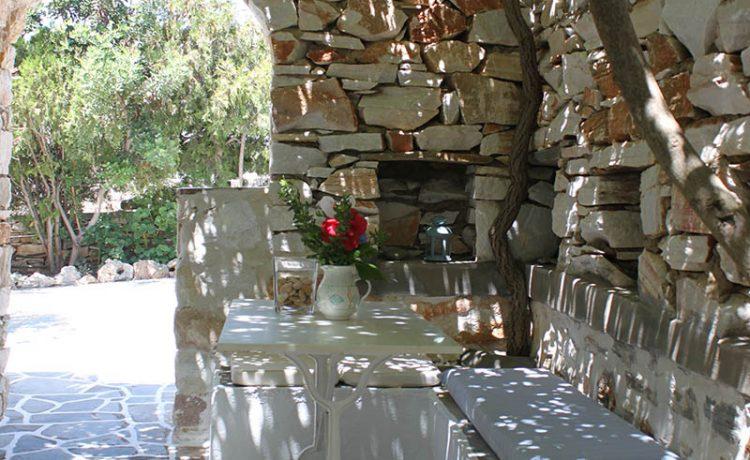 Room rentals on Drios Paros